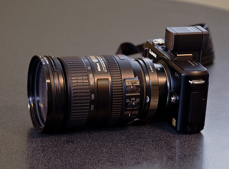 [Image: 17_Nikon18200.jpg]