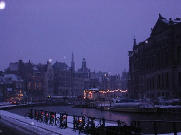[Image: Amsterdam%20-%20Night%202.jpg]