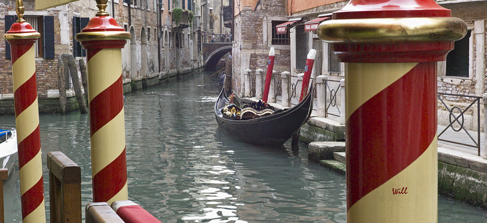 [Image: Gondola and Poles.jpg]