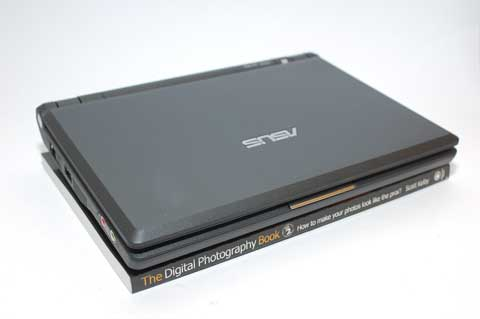 ASUS Eee Compared to a Paperback