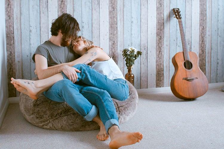 Home-Cuddles-Pose